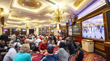 When did the Venetian become the center of the live poker universe?